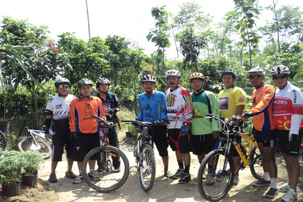 Komunitas Sepeda menjadikan Waras Farm jalur singgah