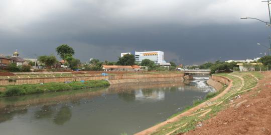 sutan-sebut-banjir-kanal-timur