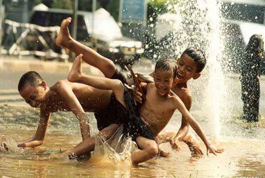 Mainan air Hujan