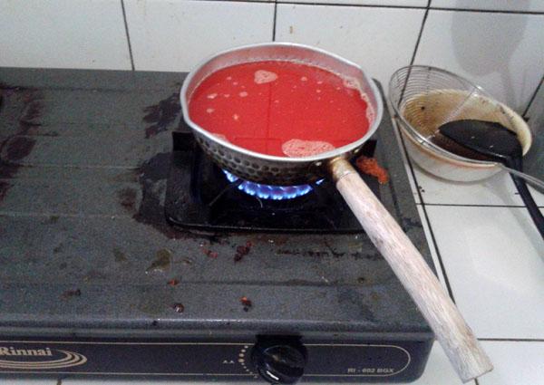 Masak es krim dengan api kecil