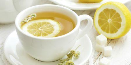 Minum lemon dan air hangat dipagi hari
